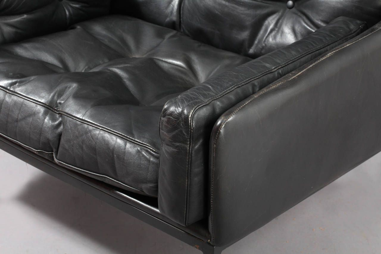 pair of classic leather armchairs signed wk m bel austria. Black Bedroom Furniture Sets. Home Design Ideas