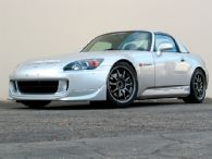 2004 Honda S2000 Front Right View