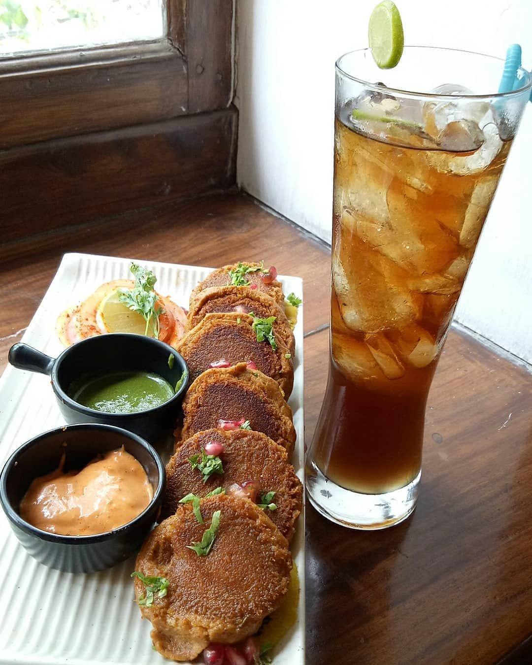 📸 @vegetariansardarji  Saturday weekend with Kebbab and LIIt ♥ 😍 . . . Tag us or use #indianfoodblog...