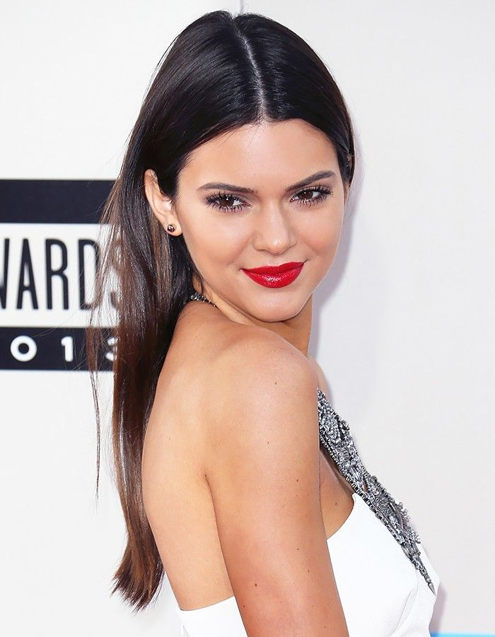 8 Ways To Style Center Parted Hair Courtesy Of Kendall Jenner Center Part Hairstyles Slick Straight Hair Straight Hairstyles