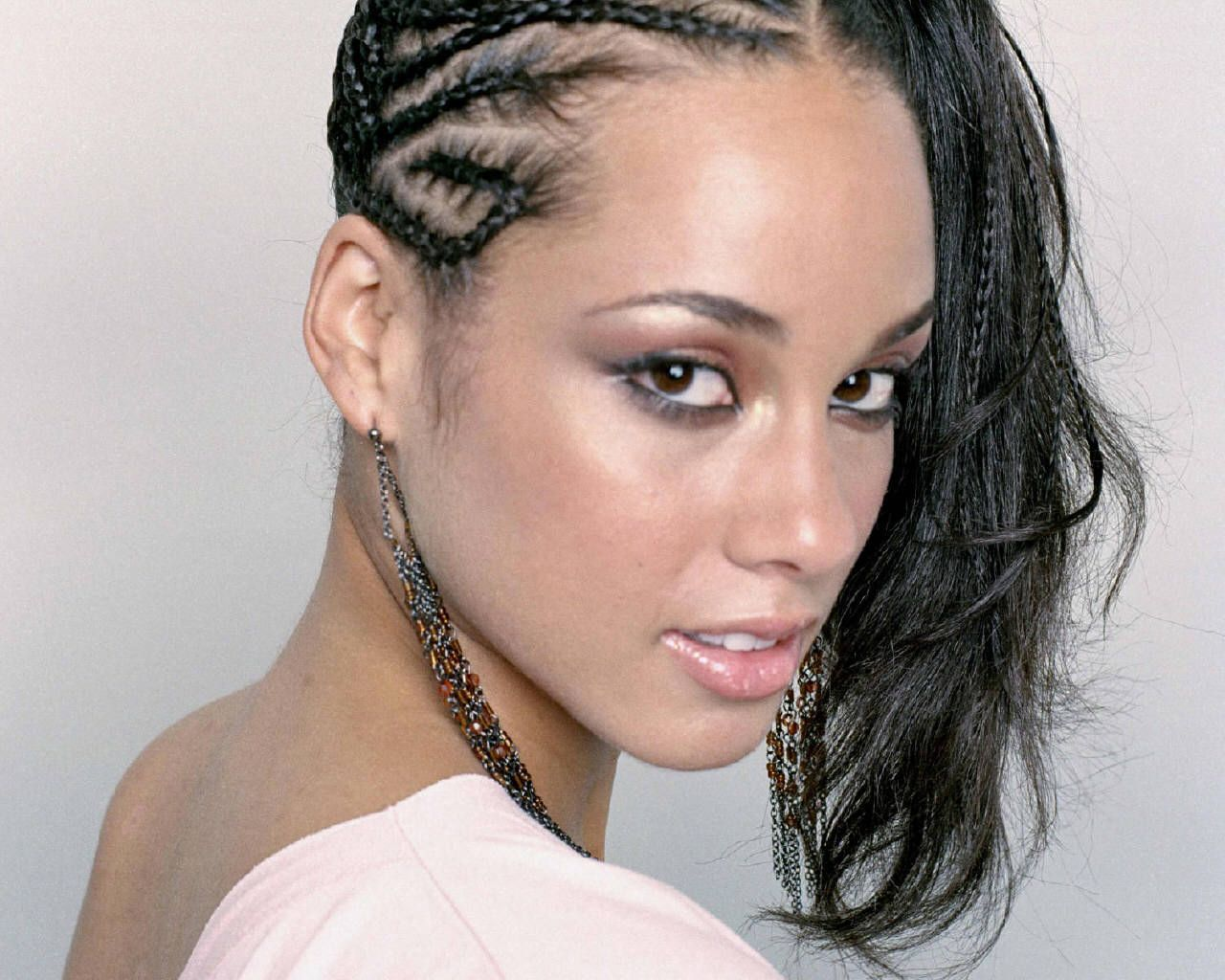 alicia keys wo man hair styles