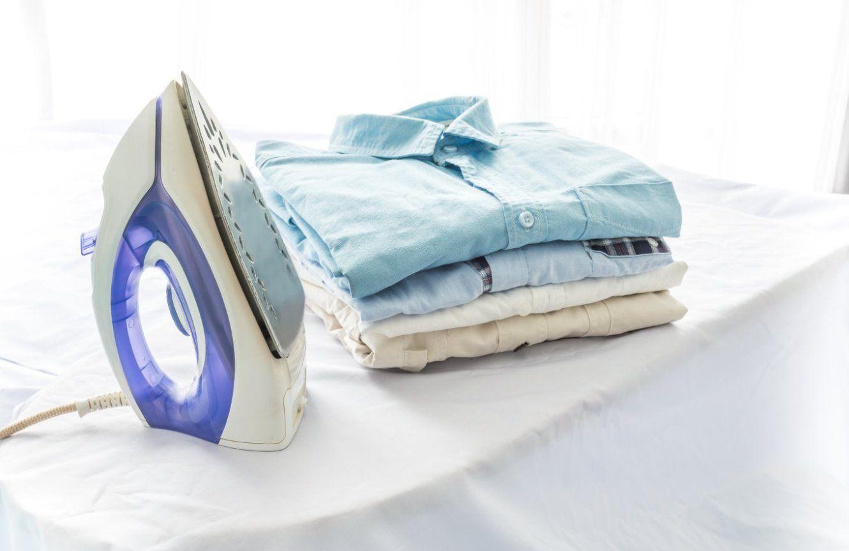 Cómo Planchar La Ropa Más Rápido 10 Trucos Ellas Hablan Como Limpiar La Plancha Planchado De Ropa Limpiar Plancha De Vapor