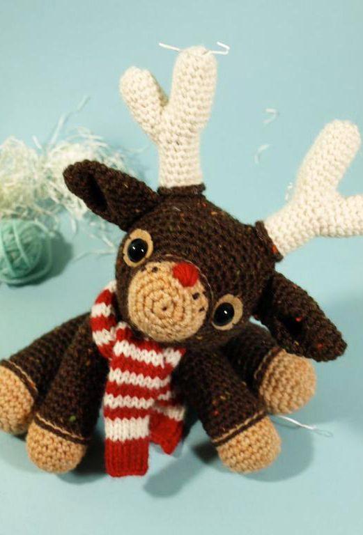 Murray the reindeer: crochet amigurumi pattern
