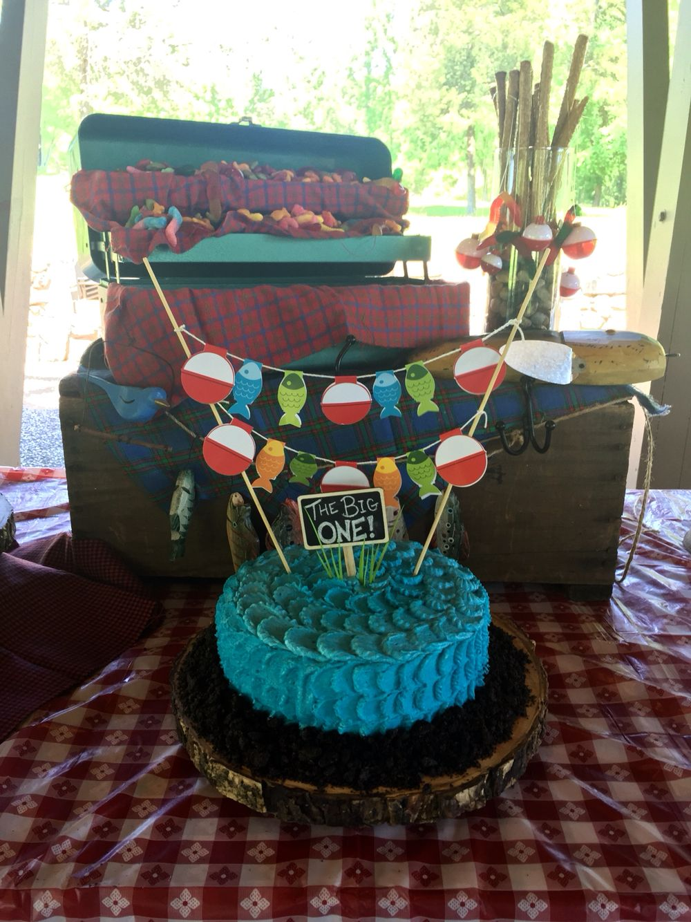 Fishing themed first birthday sugar sugar pinterest for Fishing themed party supplies