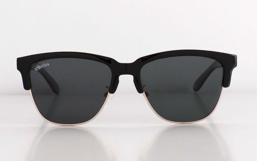 Hawkers y Pull&Bear, las gafas más 'cool' del verano   Expansión