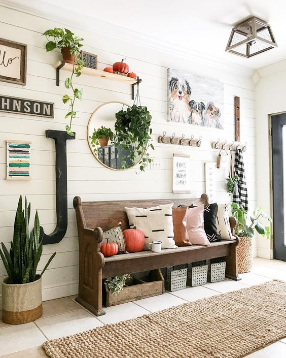 Cozy House Entryway: 43 Best Farmhouse Entryway Design Ideas You Must Try In
