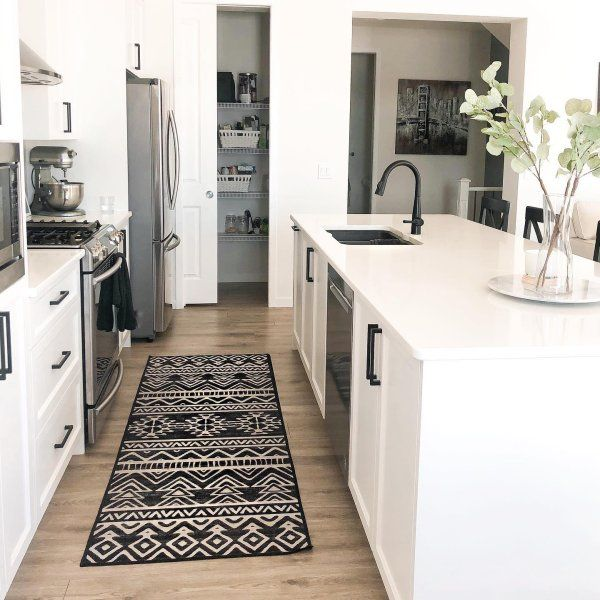 Pin By Melissa Ziegler On Mine In 2020 White Kitchen Rugs Black Rug Rugs