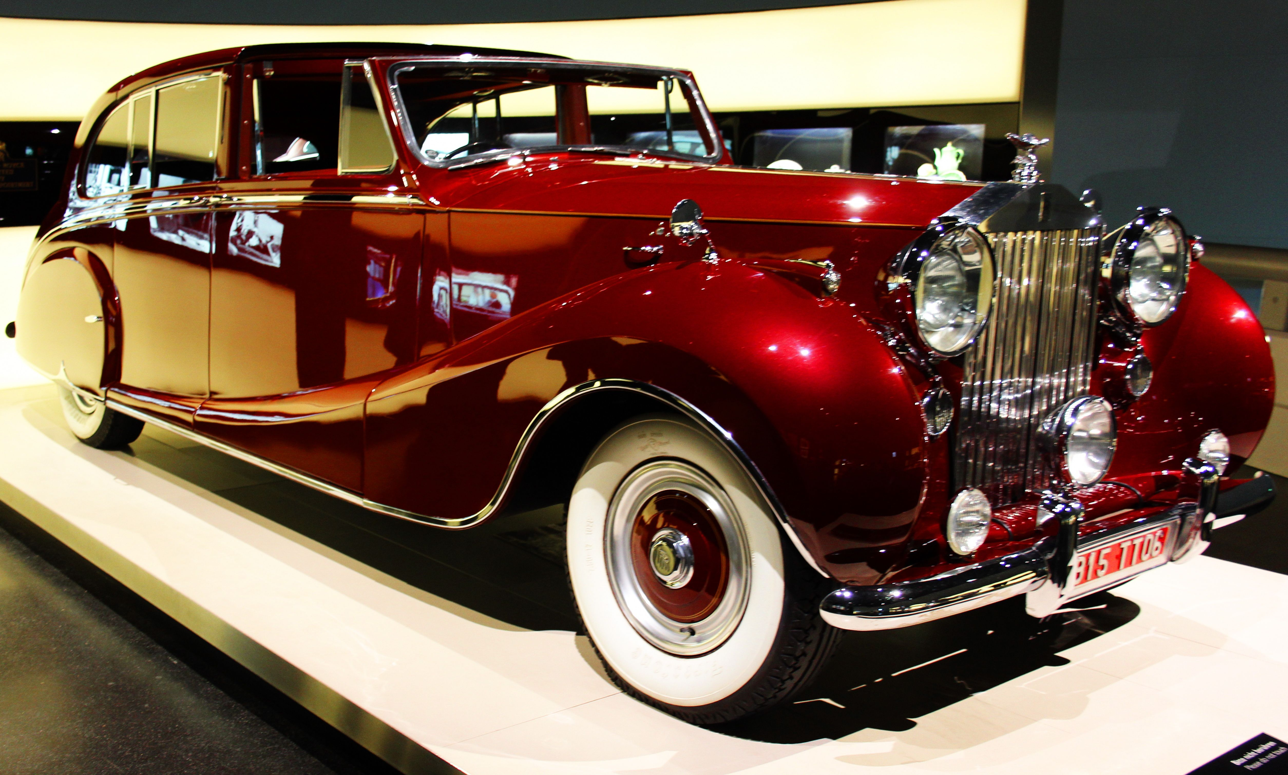 Luxury vehicle Wikipedia, the free encyclopedia .1950