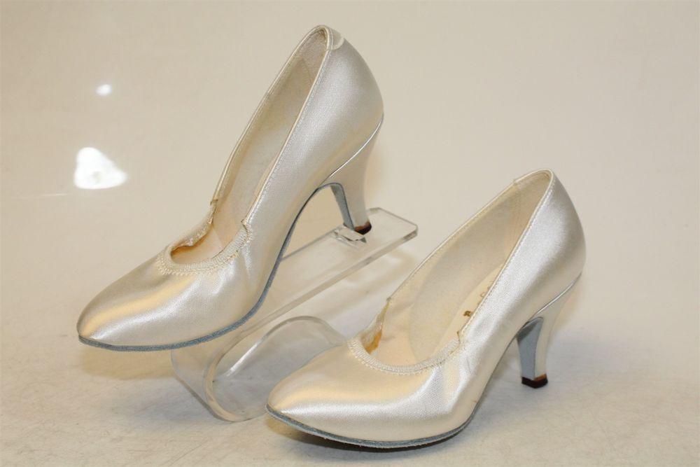 becad4e9278 Supadance NEW Satin Latin Dance Womens UK 3 US 5.5 Shoes ENGLAND 1008 ps   fashion  clothing  shoes  accessories  dancewear  danceshoes (ebay link)