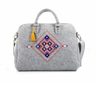 Farbotka Filcowa Torebka Kuferek Z Haftem Folk 5801080618 Oficjalne Archiwum Allegro Felt Bag Shoulder Bag Handbag