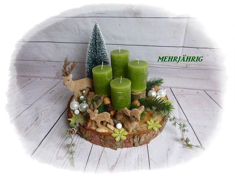 Adventskranz - Adventskranz / Adventsgesteck auf Holzscheibe - ein Designerstück von diegeschenkidee bei DaWanda #adventskranzaufbaumscheibe