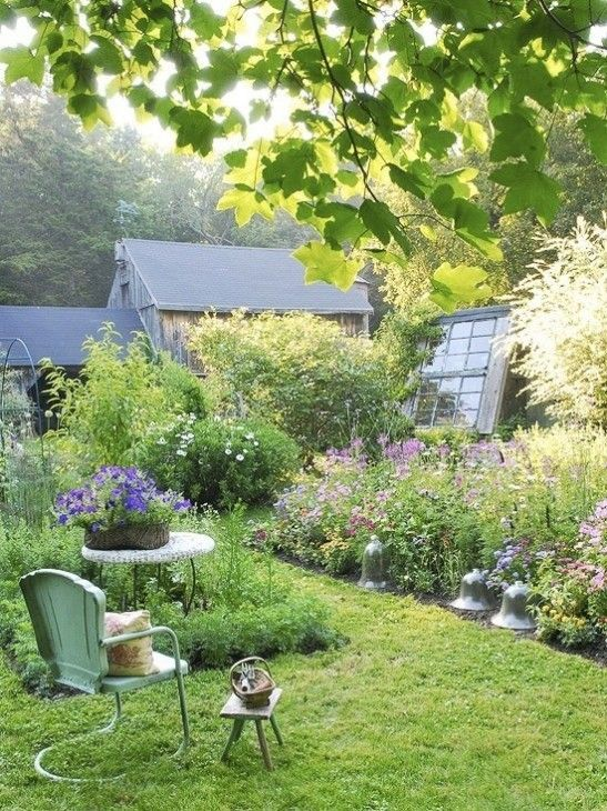 Cottage Informal Gardens History Of Suggestions For Plantings And Photos