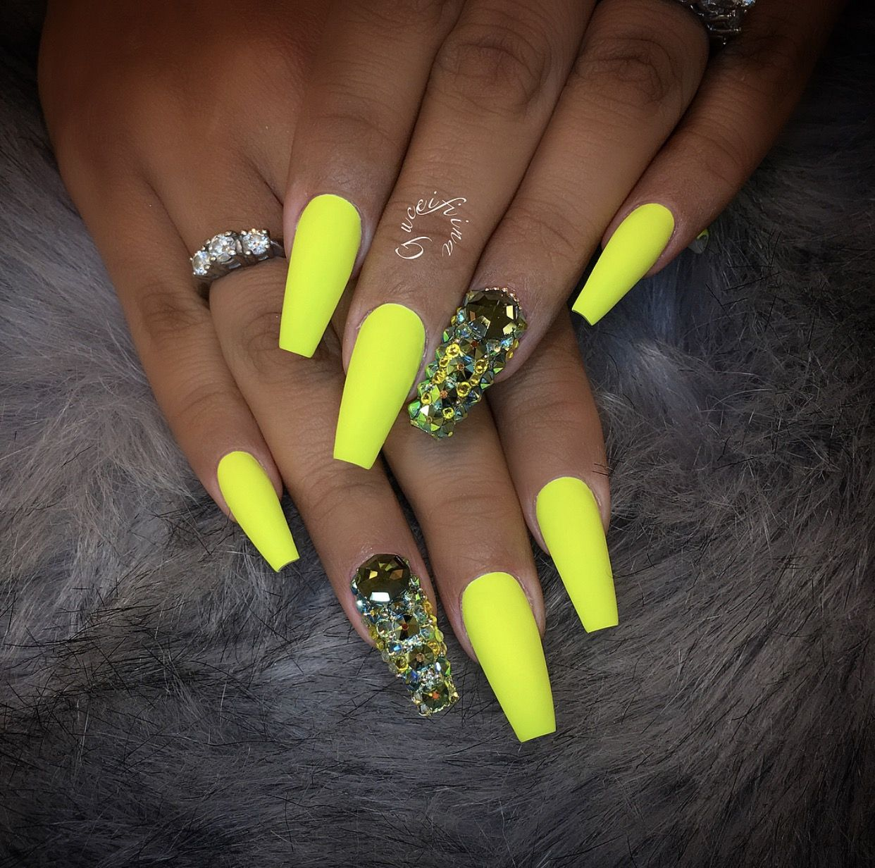 Pinterest Keishahendo Amariidanielle Neon Green Nails Yellow Nails Green Nails