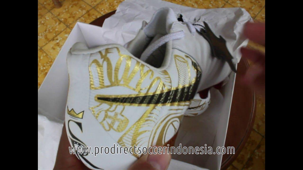 Pin Di Sepatu Bola Nike