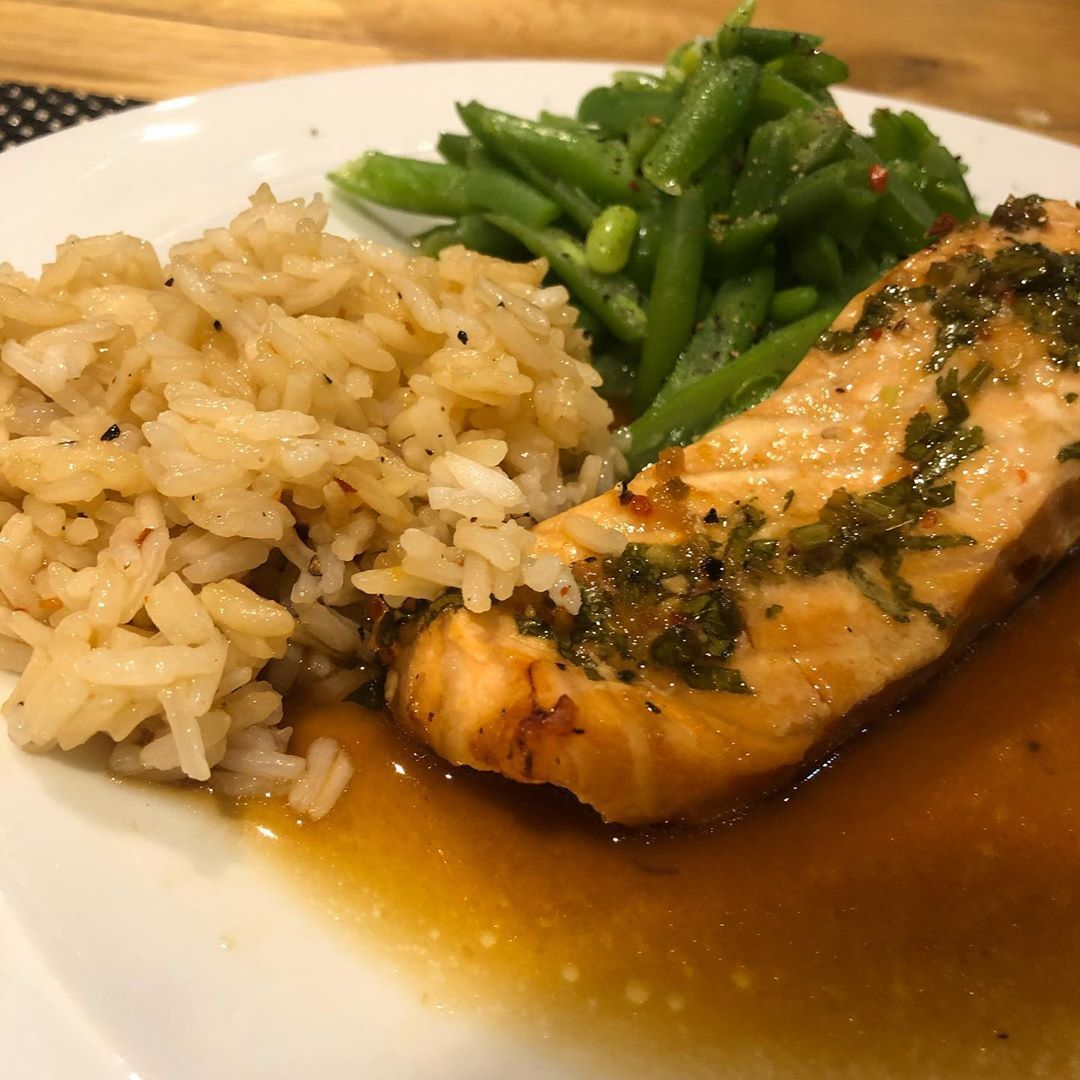 Tonights meal Teriyaki Salmon with Jasmine rice and green beans #preeyasfood #followme #insta #instagram #instadaily...