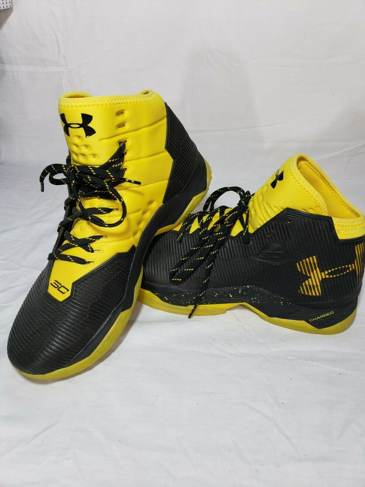 watch e4e59 9a061 New Under Armour Stephen Curry 2.5 Yellow and Black Size ...