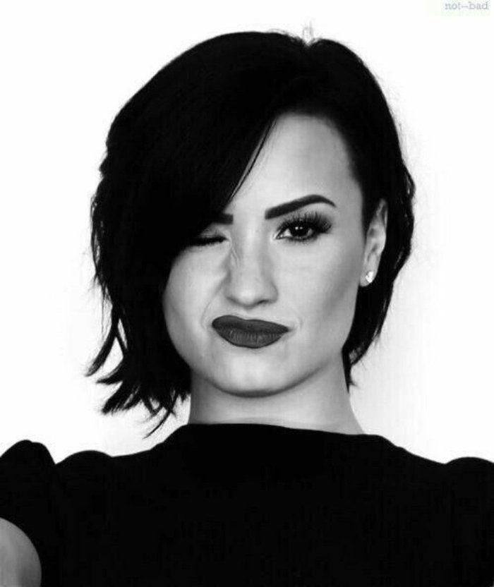 1001 + idées de coupe courte femme moderne et stylée | Demi Lovato | Coupe de cheveux rock ...