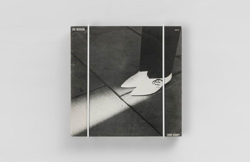 """Für Schallplatten, Bücher und schöne Sachen: Drahtregale """"Cover"""" von ..."""