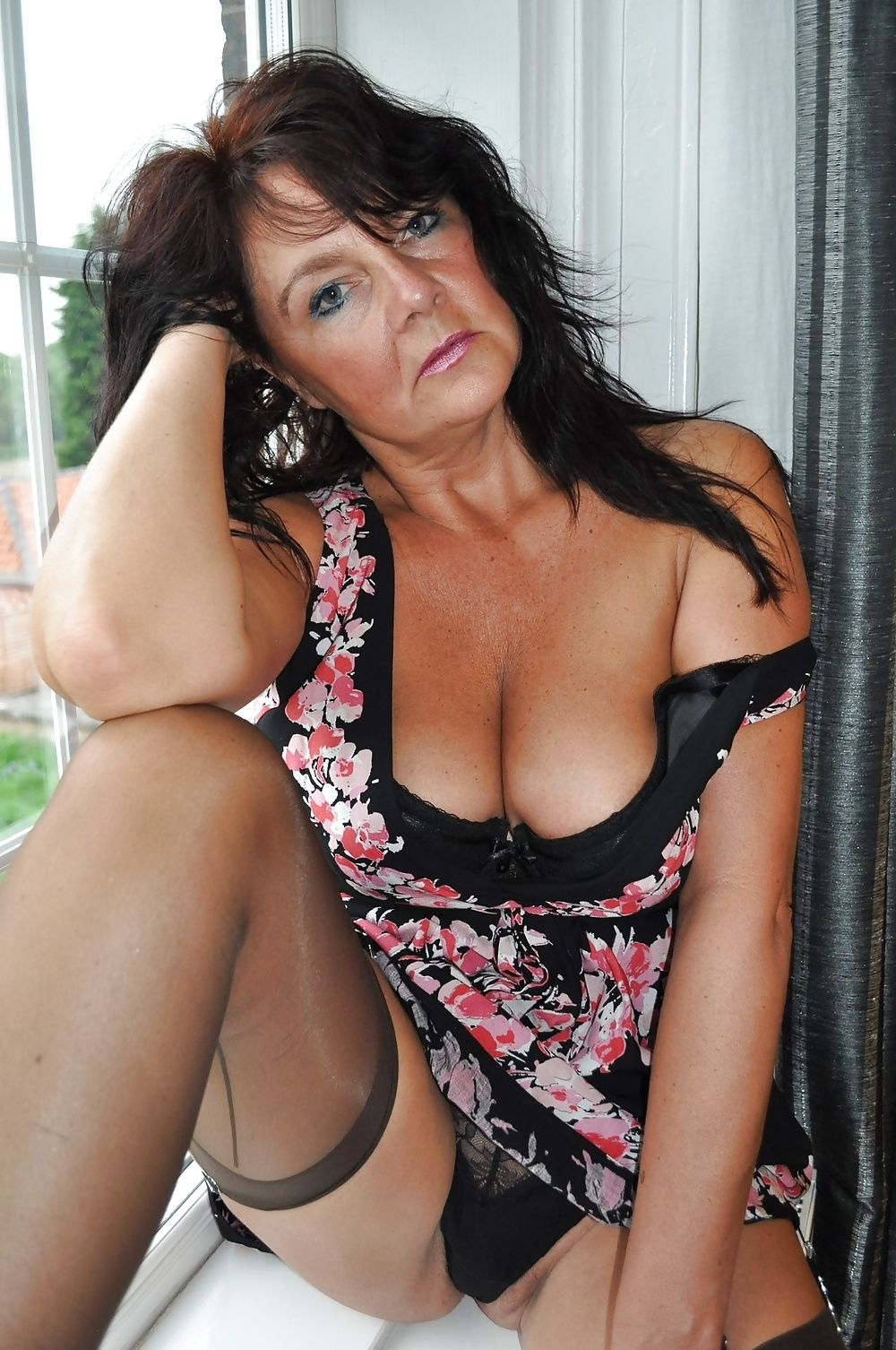 stocking gilf upskirt | matures | pinterest | female supremacy