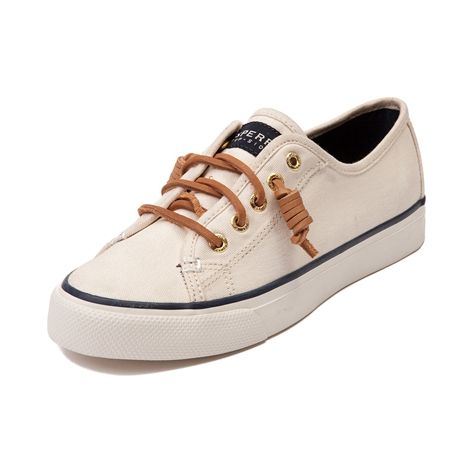 Freshen up your casual look with the lightweight Seacoast Casual Shoe from  Sperry. This trendy