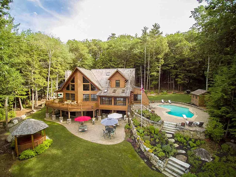 19 Sawyers Point Rd Mirror Lake Nh 03853 Mls 4735761 Zillow In 2020 Lake Real Estate Real Estate Houses Mansions For Sale