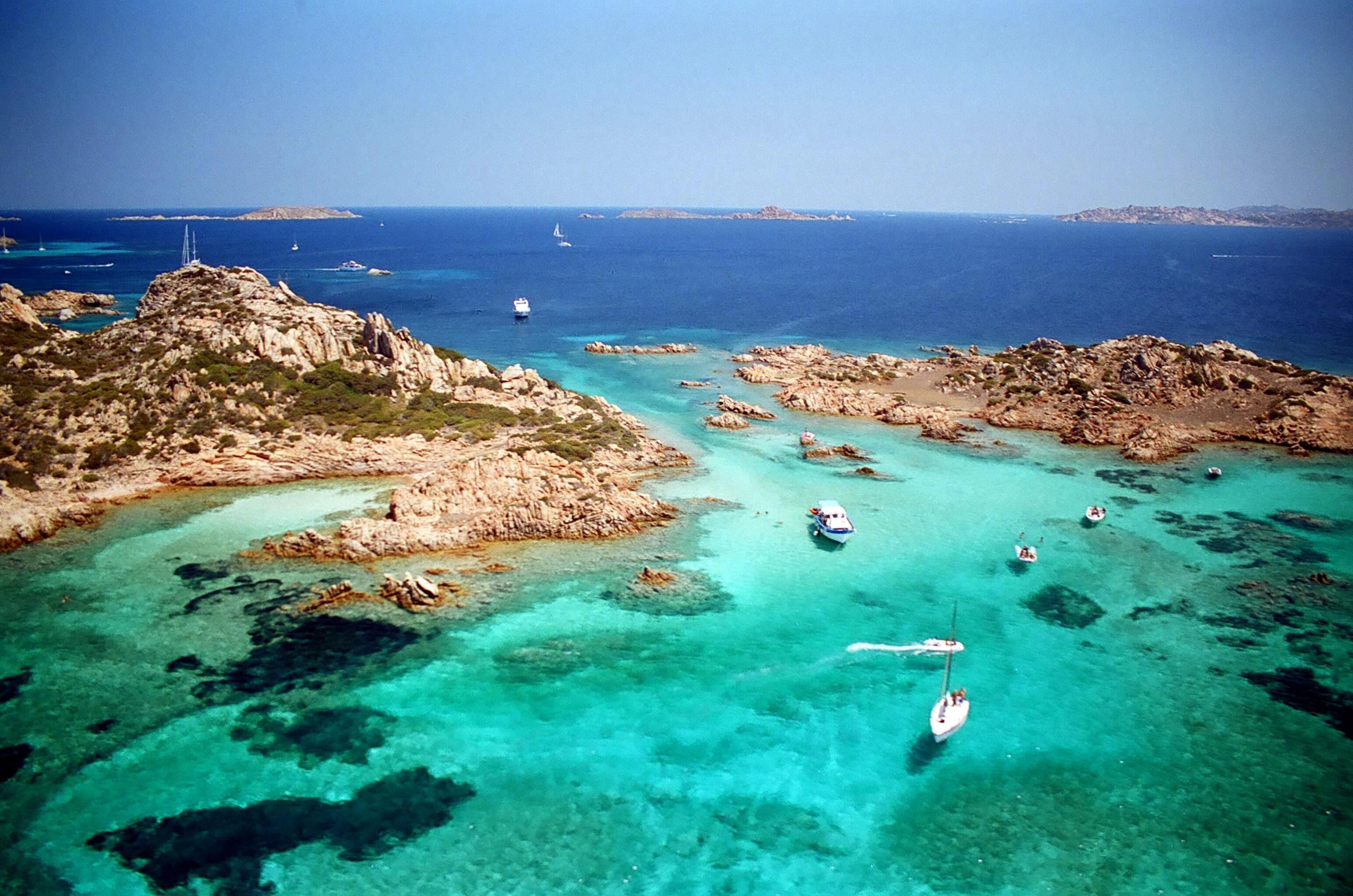 Top 10 sardinia beaches hotels for cheap holidays top for Isola arreda cagliari