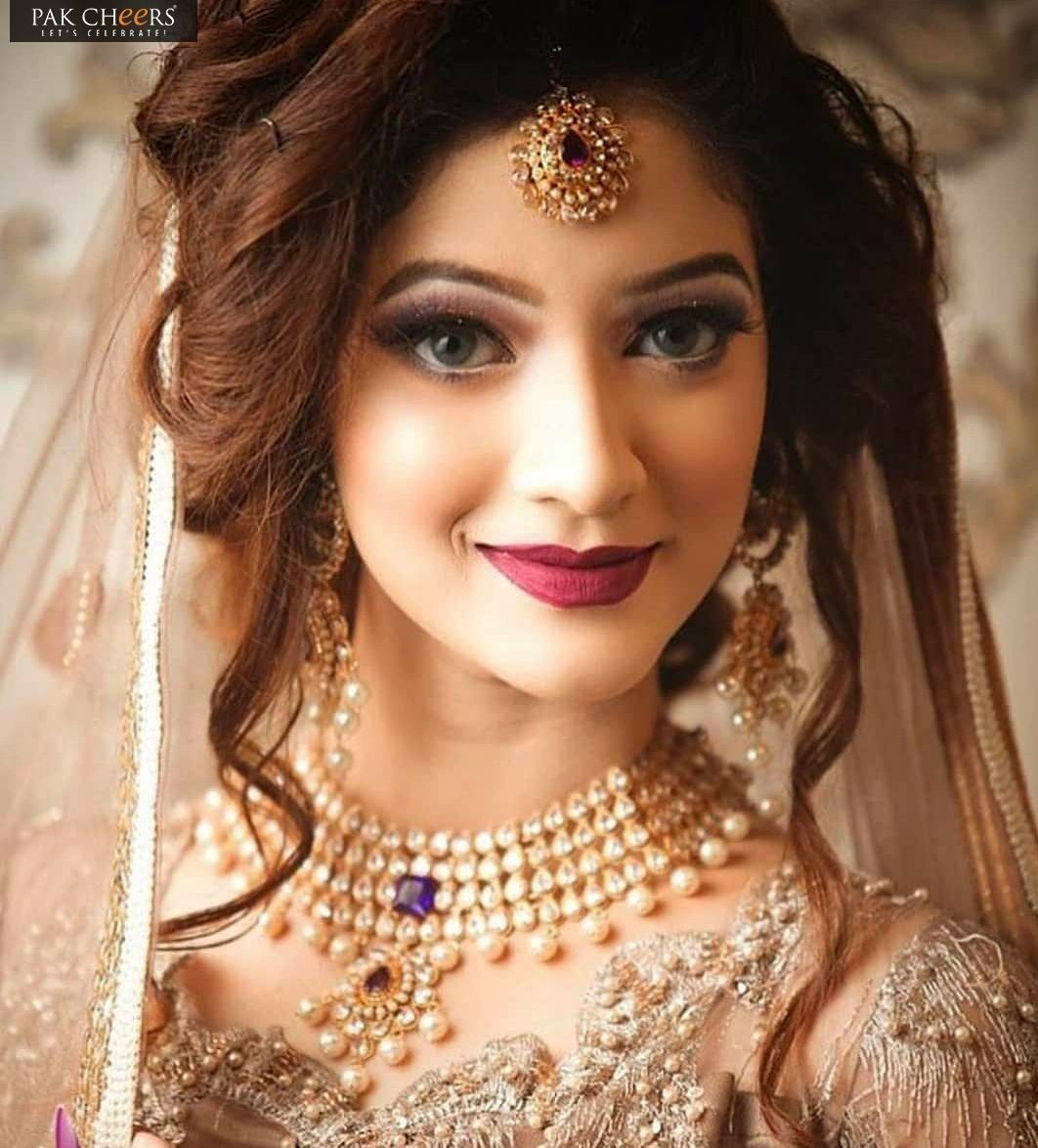 63 Gorgeous Wedding Hairstyles For Long Hair Hair Hairstyle Women Pakistani Bridal Hairstyles Bridal Makeup Looks Indian Wedding Makeup