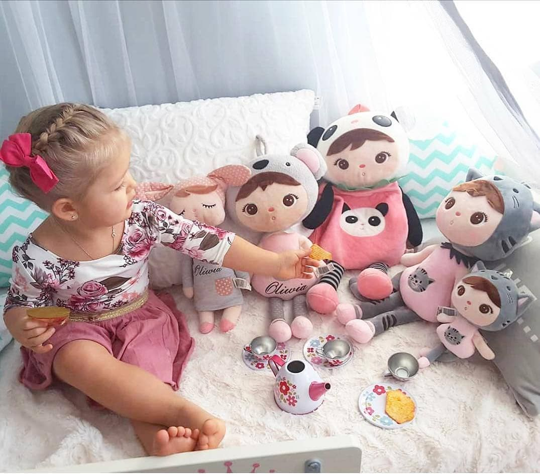 having some tea with her friends! @karinka_oliwka #funnybaby #baby
