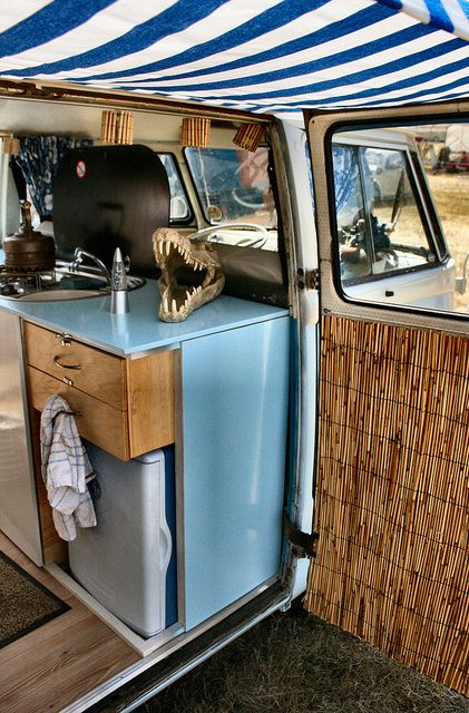 beach interior vw tour campingbus vw t1 und wohnmobil. Black Bedroom Furniture Sets. Home Design Ideas