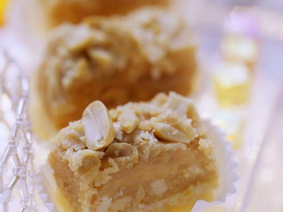 Toffeeecken und Erdnuss ist ein Rezept mit frischen Zutaten aus der Kategorie Plätzchen. Probieren Sie dieses und weitere Rezepte von EAT SMARTER!