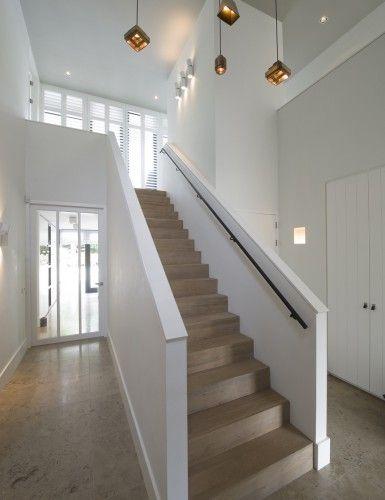 Moderne interieurs Vormen en lijnen sieren de buitenkant van moderne ...