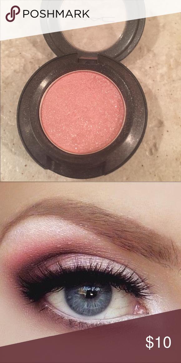 """MAC """"Pink Venus"""" Eyeshadow MAC """"Pink Venus"""" Lustre"""