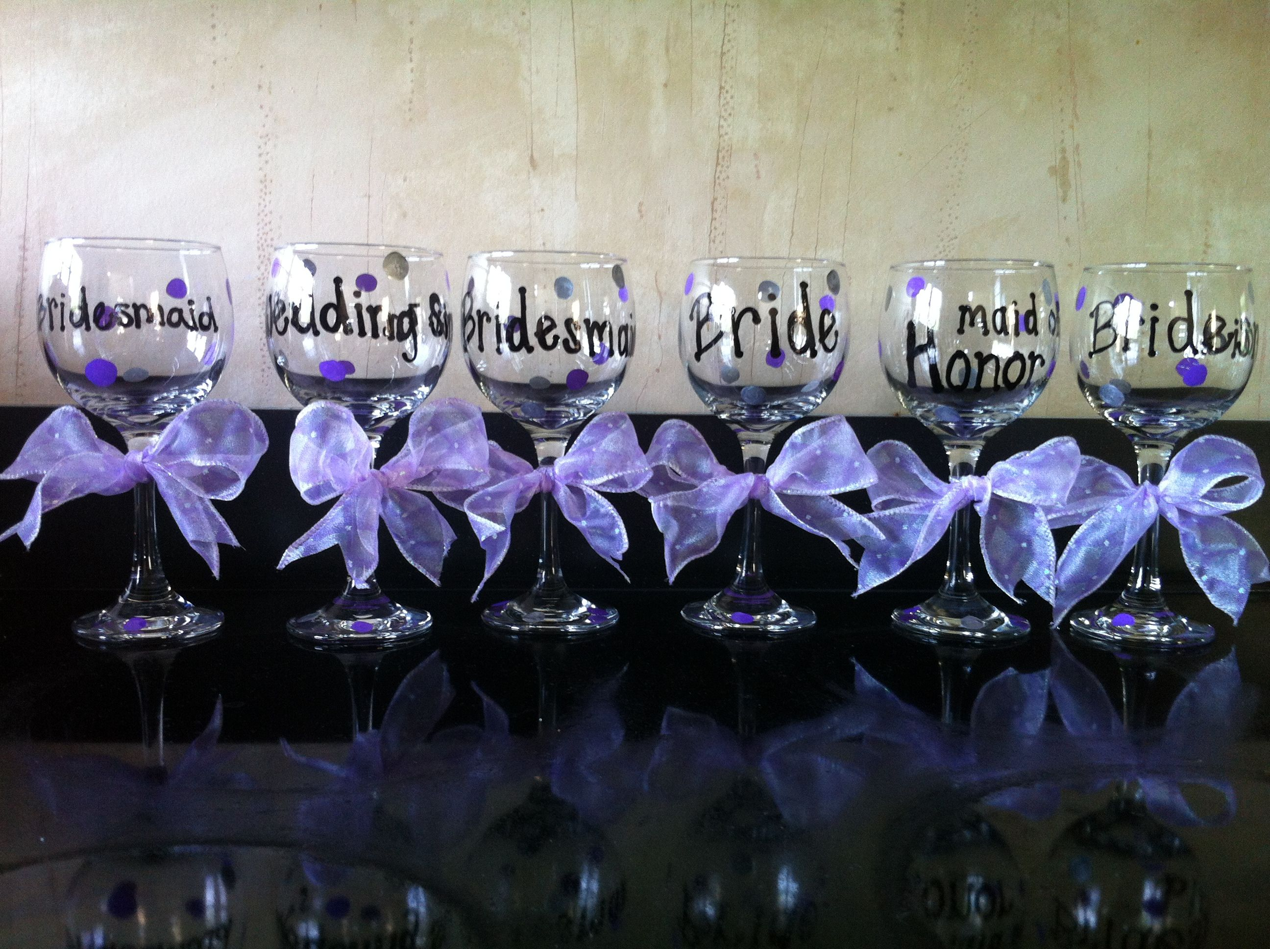 How to decorate wine glasses for bridesmaids - Wine Glasses For Each Bridesmaid Wedding Singer Maid Of Honor
