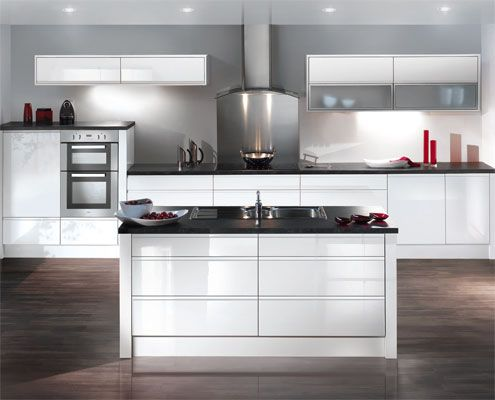 white gloss kitchen, no handles, dark counter (With images ...