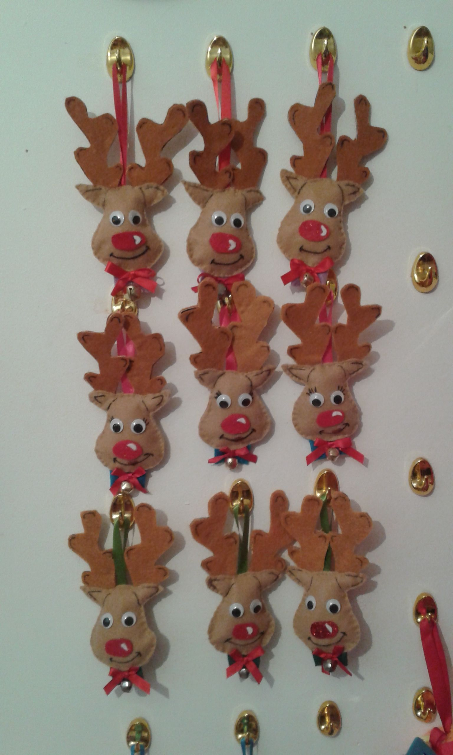 my hand sewn reindeer faces i made cardboard templates for the