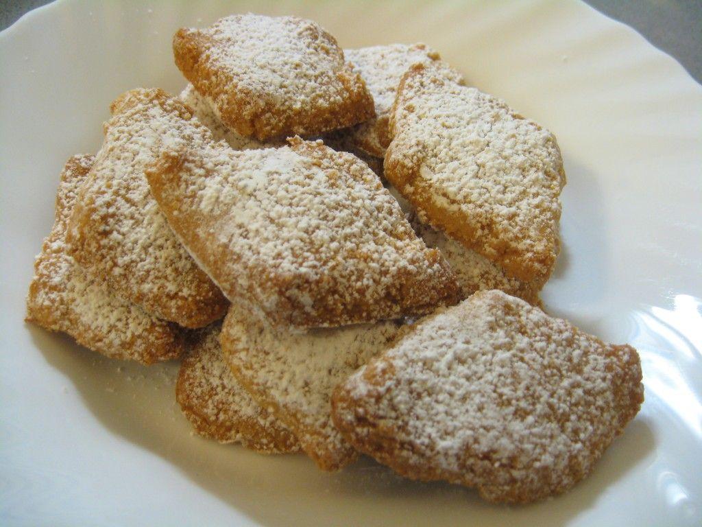 ricciarelli recipe italian christmas treat - Italian Christmas Desserts