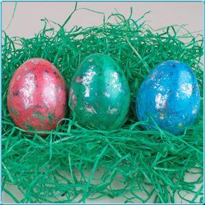 Ostereier färben und mit Glitzer marmorieren