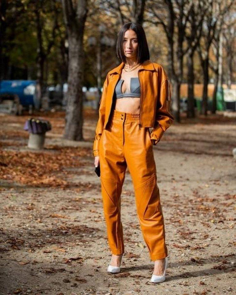 تنسيق أزياء شتوية باللون الأصفر مجلة سيدتي تصدر اللون الأصفر مشهد الموضة مجددا بعد أن كان نجم عروض الأزياء الجاهزة والكوت Fashion Fashion Inspo Street Style