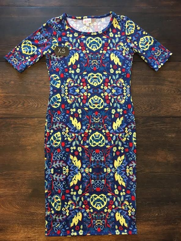 """Julia Dress X-SMALL. Mark """"SOLD"""" ! PM me and I will send the invoice to you via email!"""