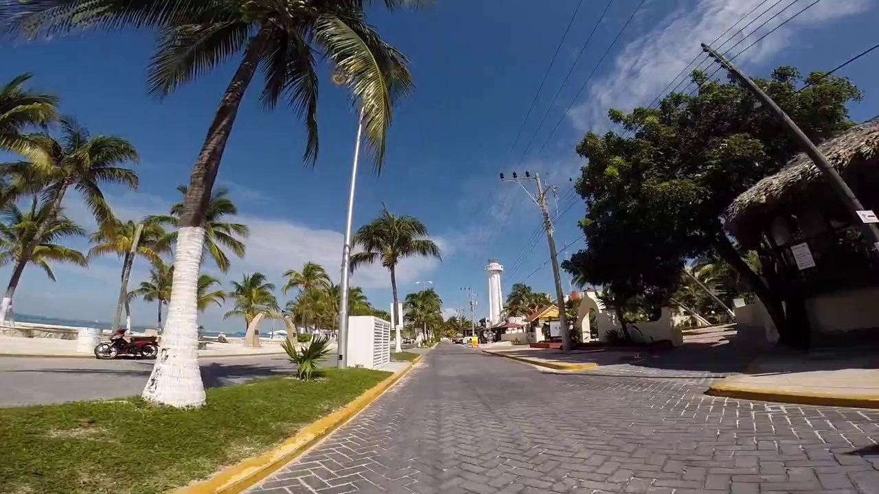 Recorrido en Carrito de Golf por Isla Mujeres on Vimeo