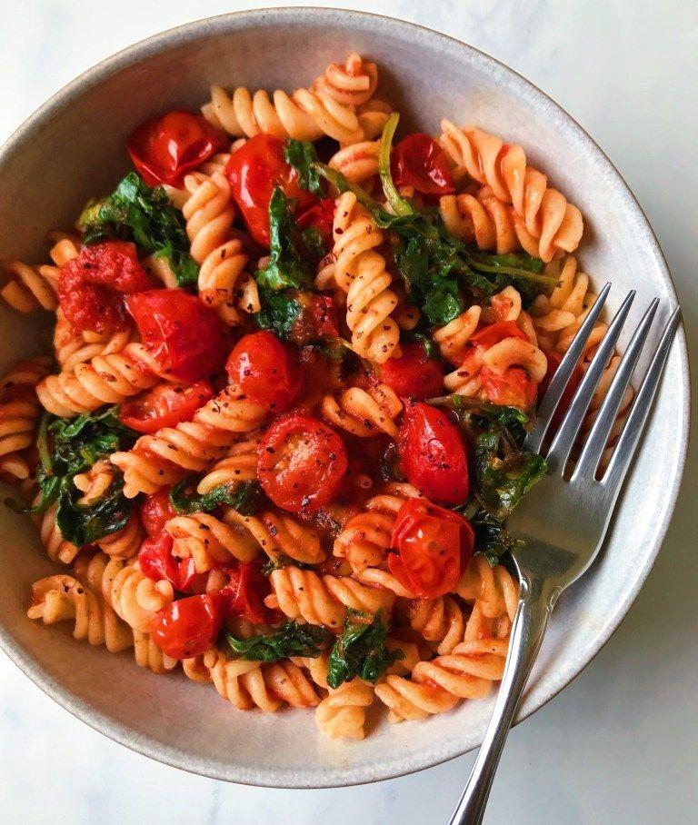 Hearty Kale and Marinara Pasta - The Dish On Healt