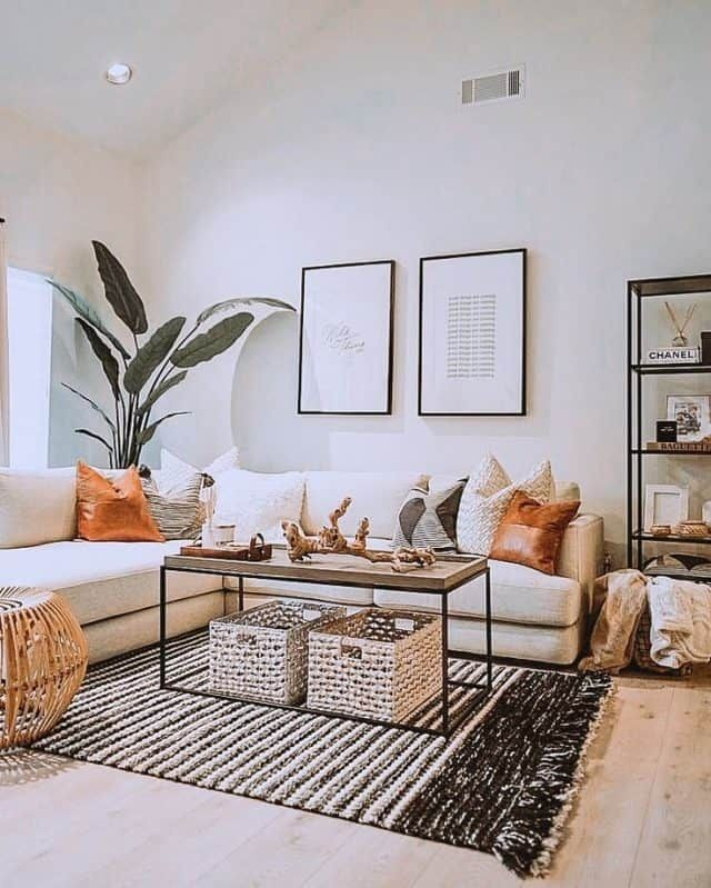 Love the boho aesthetic? Here are some gorgeous boho living room ideas for your next apartment. You'll definitely LOVE these bohemian living rooms!