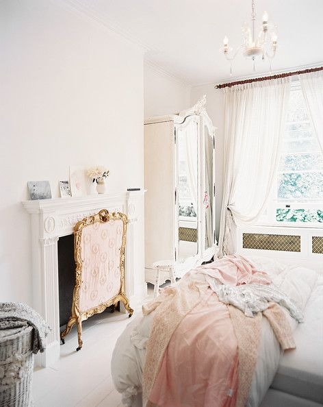 Vintage White Bedroom 30 Web Image Gallery Shabby Chic