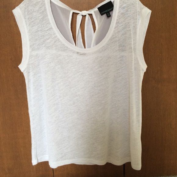 c223ea5f2b2 Cynthia Rowley linen blend tie-back top Cute summer-weight top in white  Cynthia Rowley Tops Tees - Short Sleeve