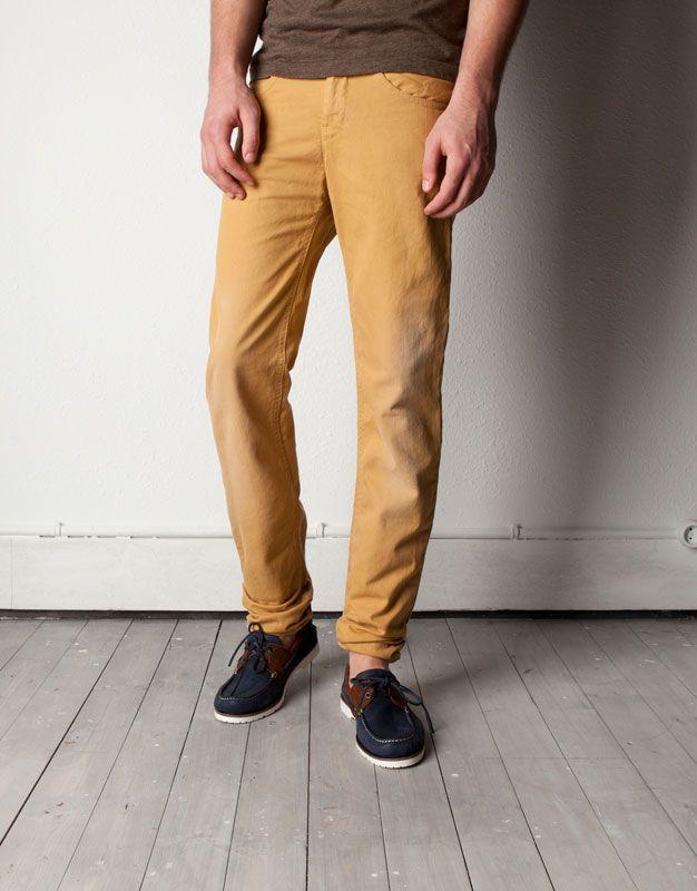 d7c463f148 Un buen pantalon color mostaza