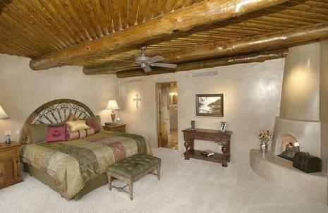 Vigas Extensive Wood Ceiling Amp Corner Beehive Fireplace