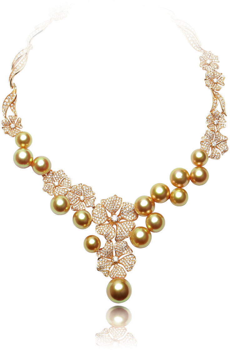 South Sea golden pearl, diamonds and 18k yellow gold necklace ...