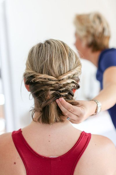 This Quick Messy Updo For Short Hair Is So Cool Messy