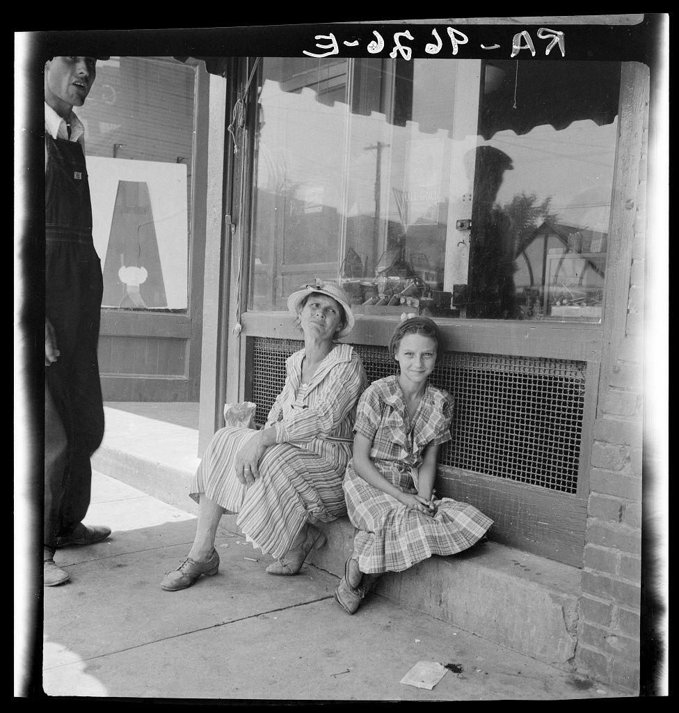 Farmers in town, Alabama, 1936, Dorothea Lange, Library of Congress Photo