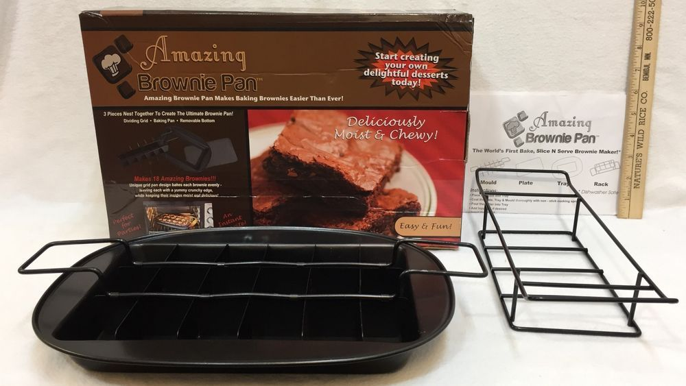 Amazing Brownie Pan 4 Pieces Removable Bottom Makes 18 Brownies W